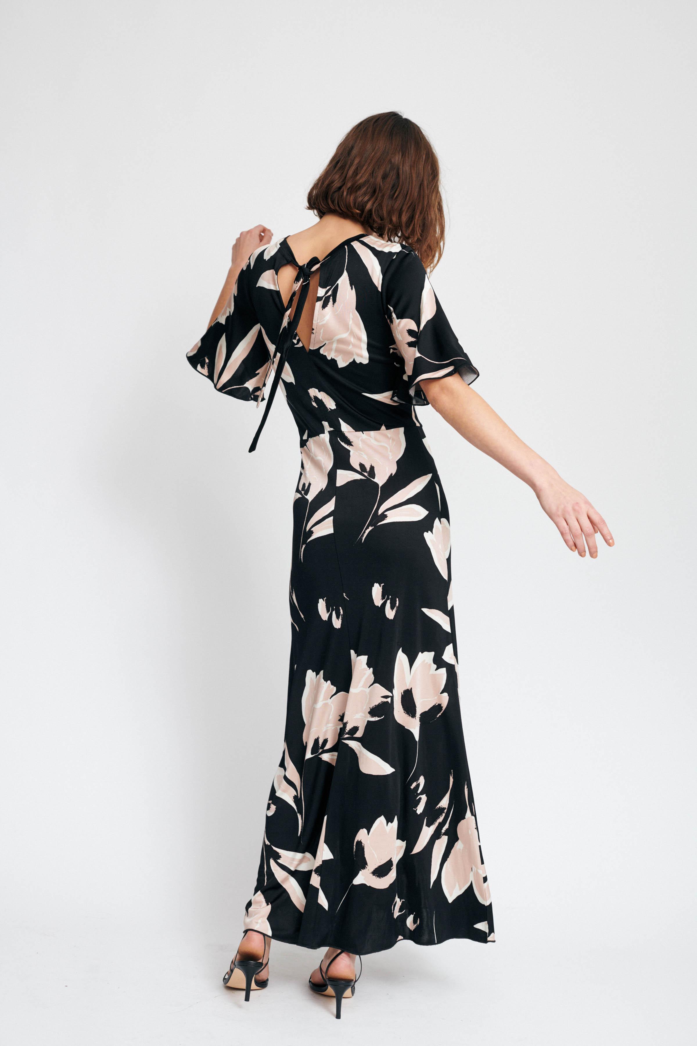 Black Lilly Big Jerseykjole – Køb Black Lilly Big Jerseykjole fra str. XXS-XXL her