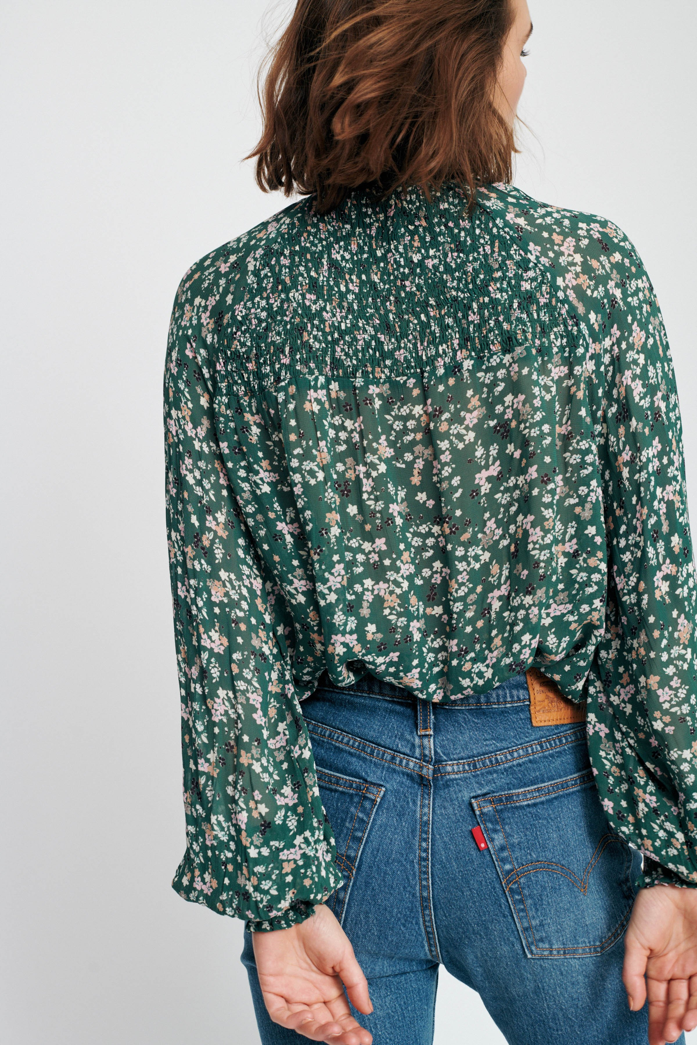 Warm Green Ditsy Flowers Top – Køb Warm Green Ditsy Flowers Top fra str. 32-44 her